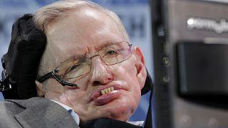 """""""Hawking a soulevé les merveilles de l'Univers"""""""