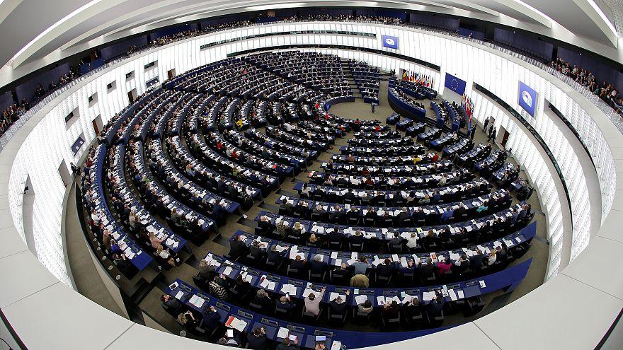 Brexit: Parlamento Europeu aprova acordo de associação