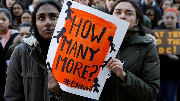 پشتیبانی شهردار نیویورک از دانشآموزان مخالف تفنگ