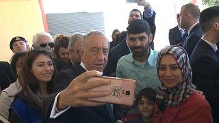 Marcelo deixa mensagens de esperança a refugiados na Grécia