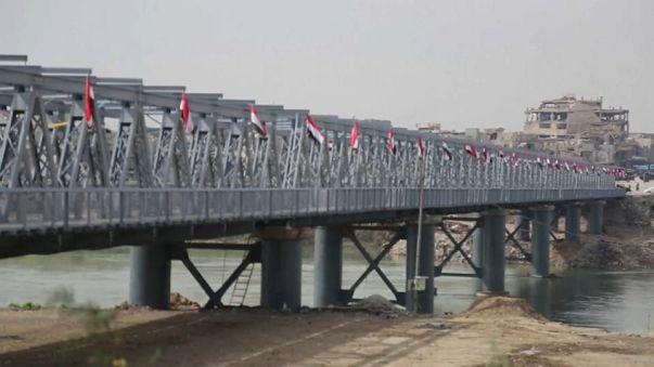 Mossoul, le pont de fer inauguré, la reconstruction avance