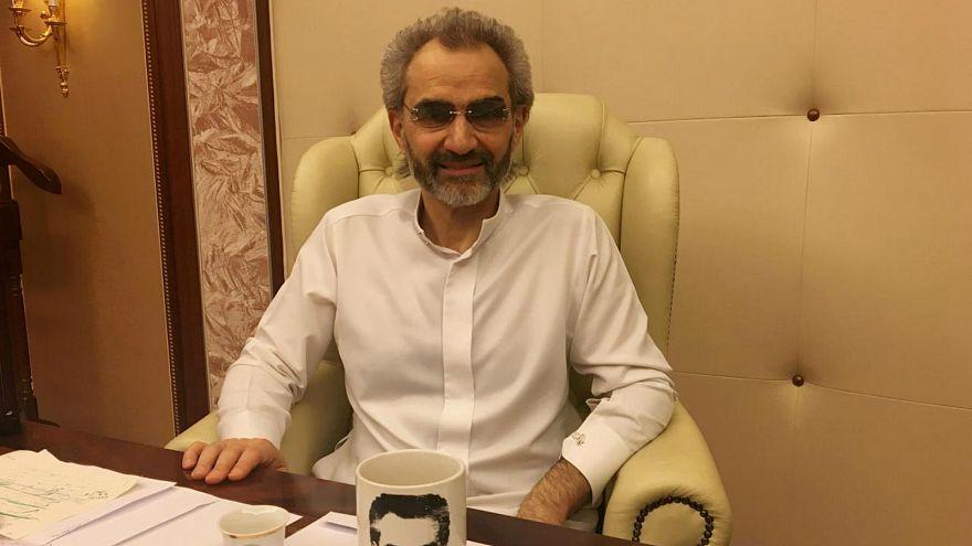 الوليد بن طلال يبيع حصته في فندق بدمشق لرجل أعمال مقرب من الأسد