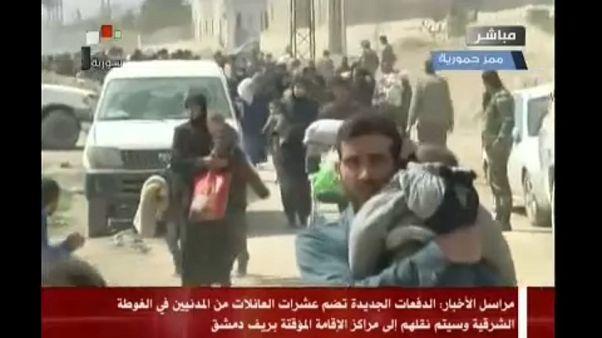 Több mint 3000 civil menekül el a szíriai Hamuríjából