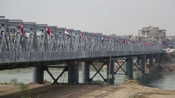 """Reaberta a """"Ponte Velha"""" de Mossul"""