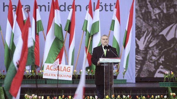 """Orbán: hazaküldjük """"Gyuri bácsit"""" is a hálózatával egyetemben"""