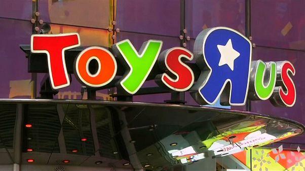 """Toys """"R"""" Us vai encerrar mais 900 lojas"""