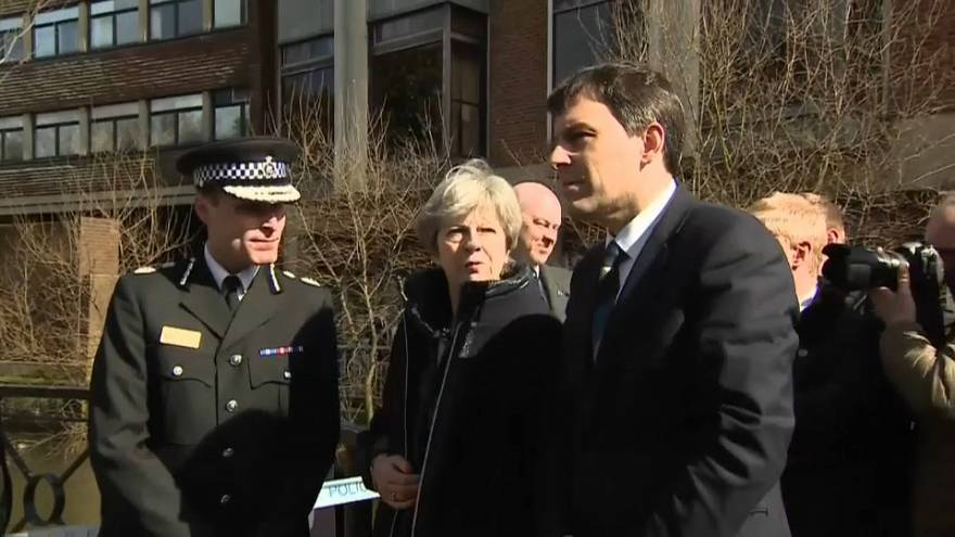 Theresa May visita Salisbury