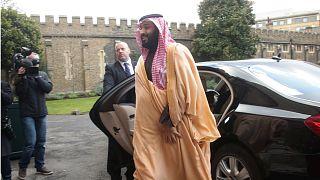 الأمير والأميرة والملك.. أين اختفت والدة محمد بن سلمان؟
