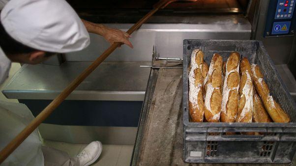 Francia: lavorava troppo, panettiere multato