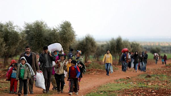 Menschen fliehen aus Afrin