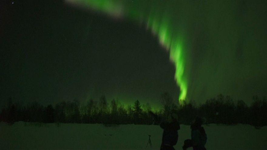 Hellweiß, grün und pink: Der Zauber der Nordlichter
