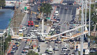 Florida'da üst geçit çöktü, 4 ölü
