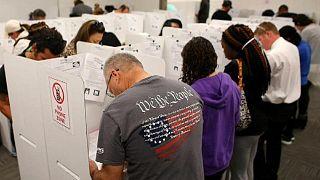 أثناء الإدلاء بالأصوات في الانتخابات الأمريكية