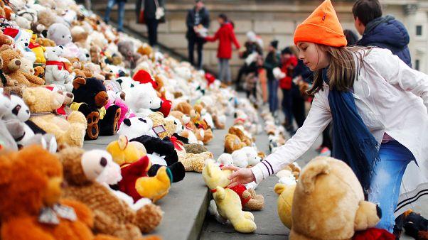 740 Teddys für 740.000 Schulkinder auf der Flucht