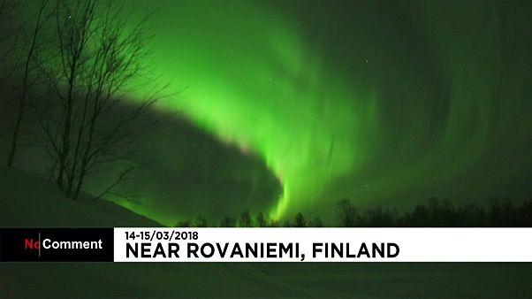 La magie renouvelée des aurores boréales en Laponie finlandaise