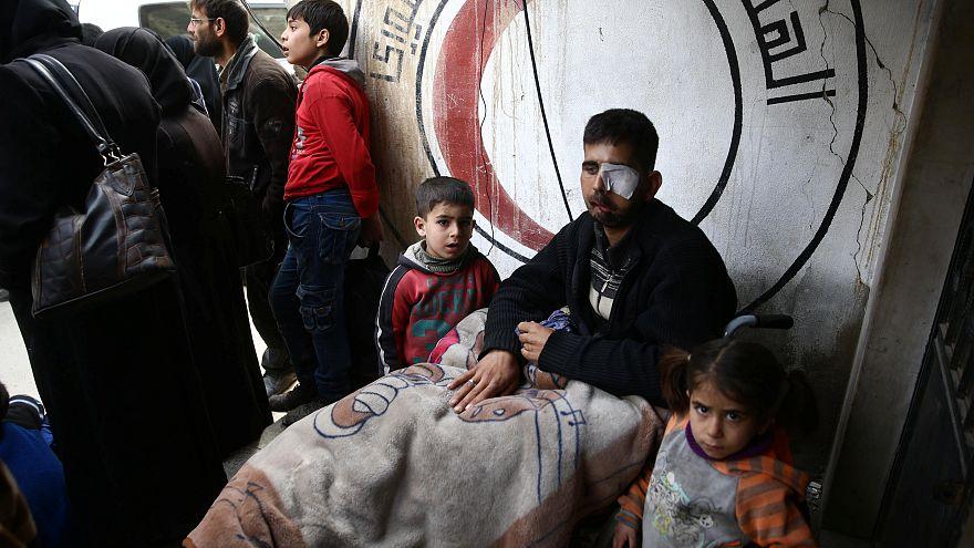 15. März 2018 Ein verletzter Mann in der belagerten Stadt Douma, Ost-Ghouta