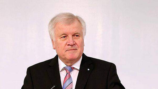 وزیر کشور آلمان: اسلام به آلمان تعلق ندارد
