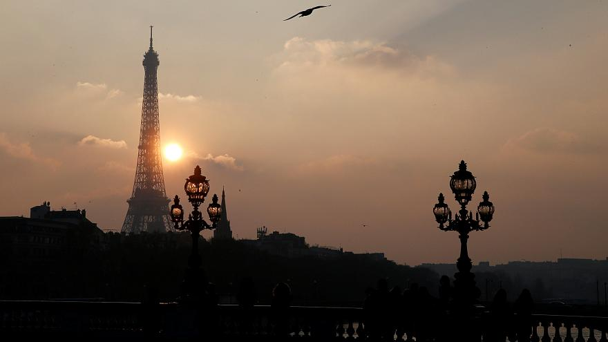 1665 Stufen: Wettlauf auf den Eiffelturm
