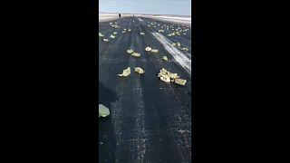 Βίντεο: 3,5 τόνοι χρυσού έπεσαν από αεροπλάνο την ώρα της απογείωσης!
