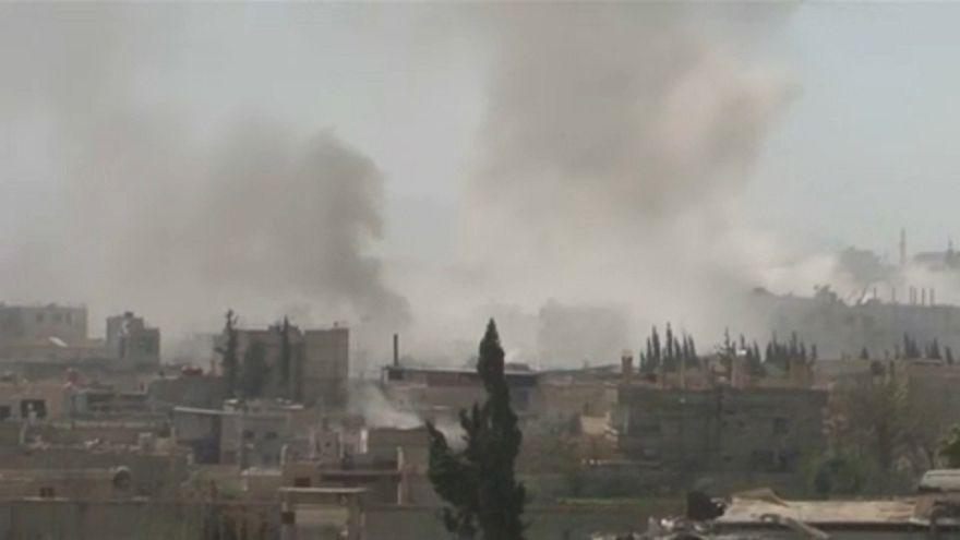 Bombázzák a szíriai főváros szomszédságát