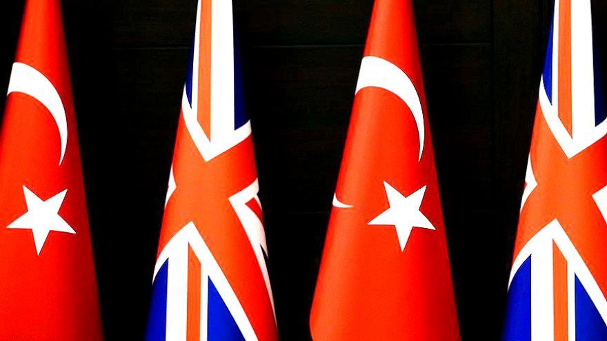 İngiltere Türk vatandaşlarına süresiz oturum hakkını kaldırdı