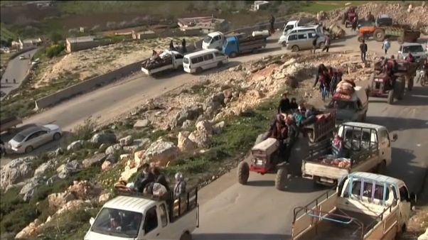 Milhares de pessoas fogem de Afrin