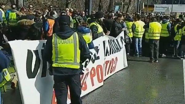 Los funcionarios protagonizan la primera huelga en Andorra desde 1933