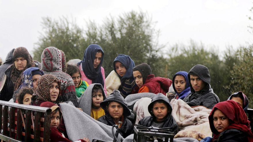 50 ezren menekülnek