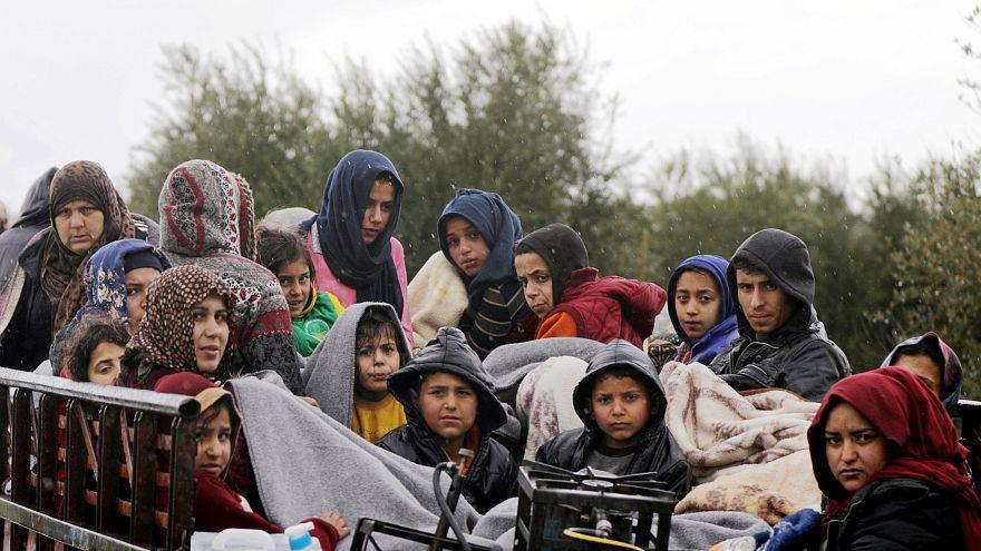 Cientos de civiles sirios siguen huyendo de la ciudad de Afrín
