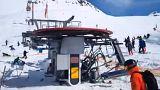 Völlig außer Kontrolle geraten: Ein Skilift im georgischen Gudauri