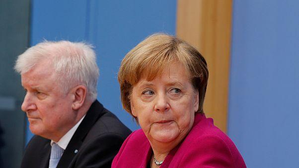 Horst Seehofer und Angela Merkel auf einer Pressekonferenz
