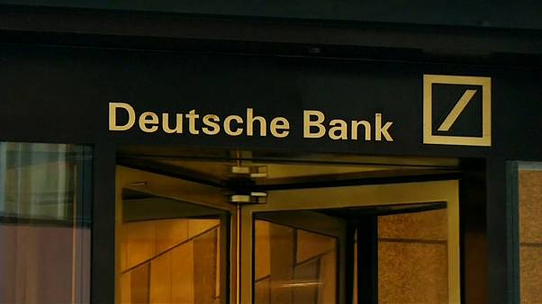 Deutsche Bank pays out billions in bonuses