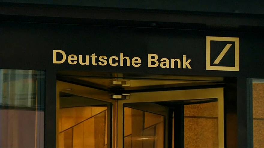 Deutsche Bank pays out billions in bonuses