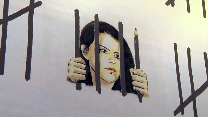 تصویر دختر نقاش ترک، نقش بر دیواری در نیویورک