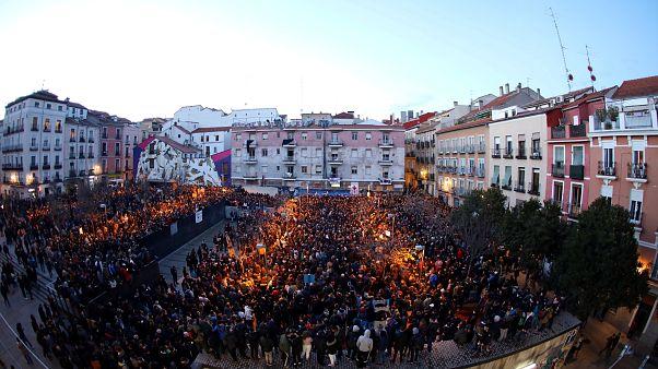 بالفيديو: مواجهات بين الشرطة الإسبانية ومحتجين في شوارع مدريد