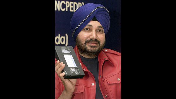 السجن لمغني هندي شهير بعد إدانته بتهريب البشر للولايات المتحدة قبل عشرين عاما