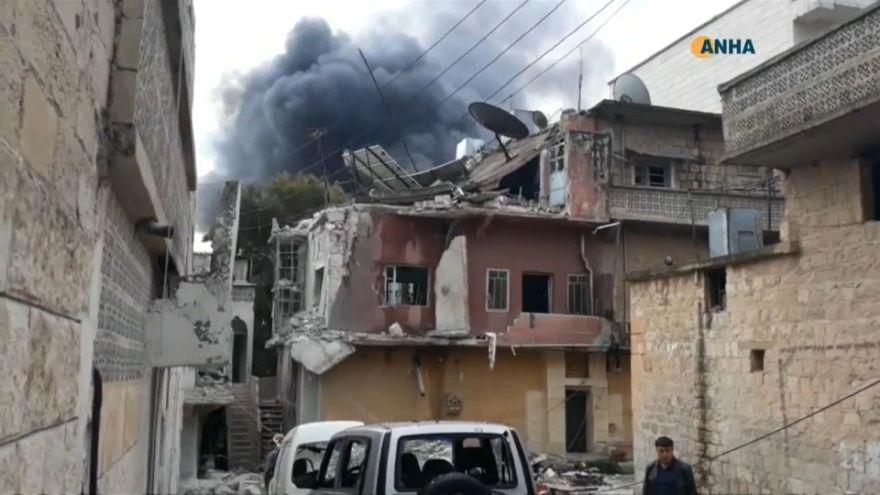 Çatışmaların ortasında esir kalan Suriyelilerin tahliyesi hız kazandı