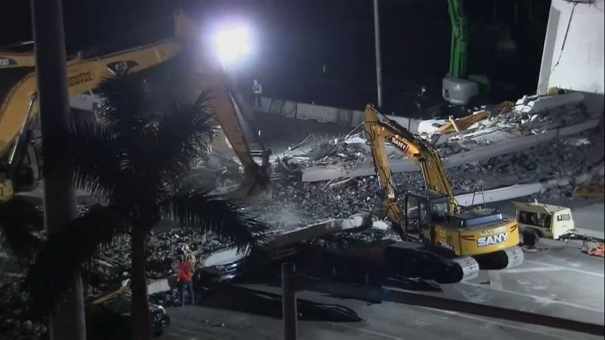 Трагедия в США: число жертв обрушения моста возросло до 6 человек