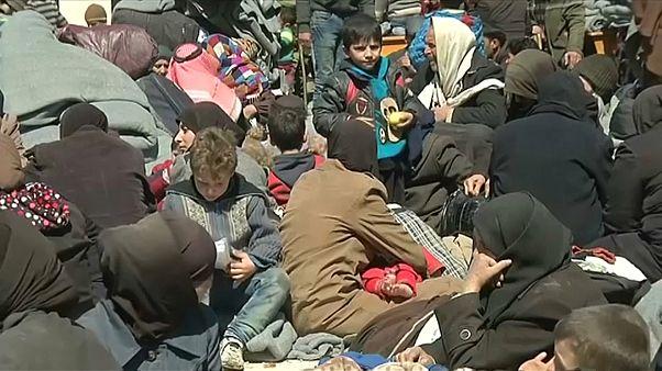 Milhares de civis fogem dos combates na Síria