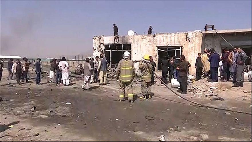 Pelo menos três mortos em atentado suicida no Afeganistão