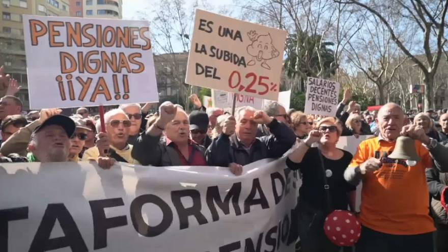Thousands of Spanish pensioners protest over pensions