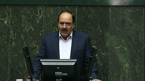 نماینده مجلس درباره اشتباه در تلفظ «لوور» توضیح داد