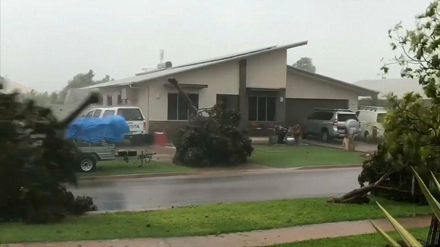 """جانب من آثار إعصار """"ماركوس"""" الذي ضرب شمال أستراليا"""