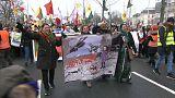 Tausende Kurden demonstrieren in Deutschland