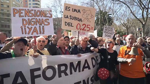 İspanyol emeklilerden hükümete tepki