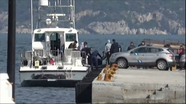 Sixteen migrants drown off Greek island including five children