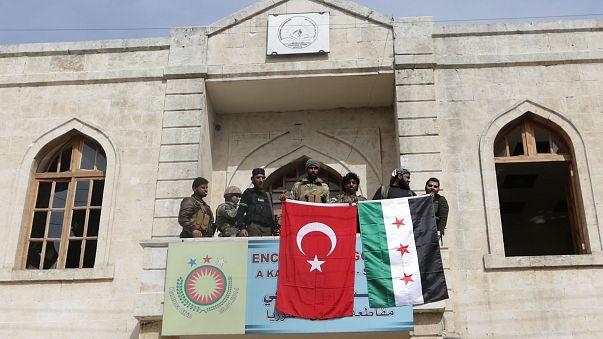 Le drapeau turc flotte sur Afrine