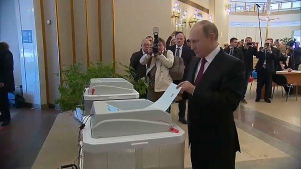 Wladimir Putin steuert vierte Amtszeit an