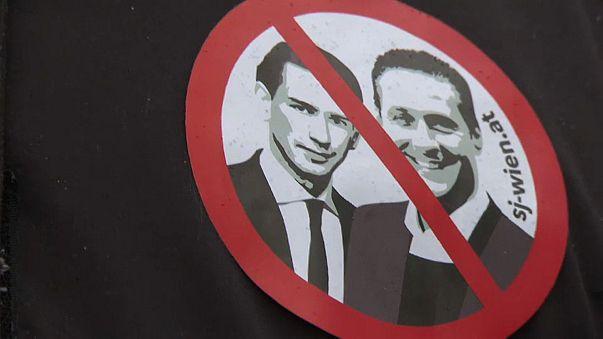 Avusturya'da halk ırkçılığa karşı yürüdü