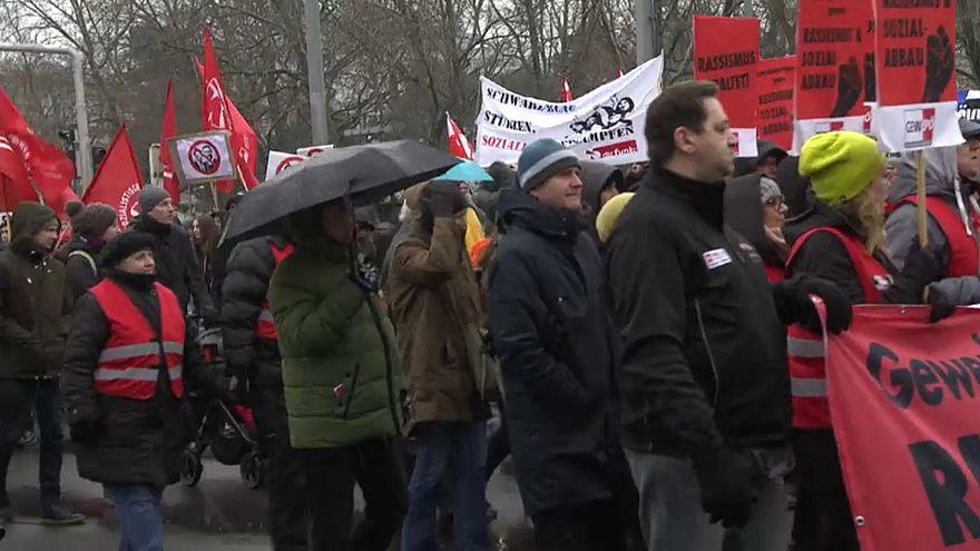 MIlhares erguem-se contra o crescimento do racismo na Áustria